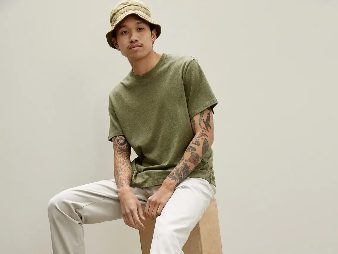 10 Summer Tees for a Cool and Relaxing Look